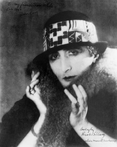 Duchamp disfrazado de mujer