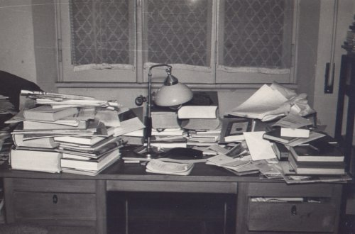Manganelli desk